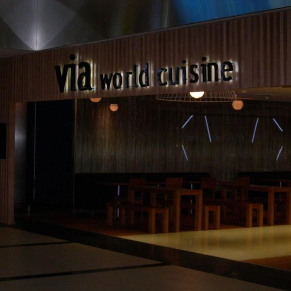 Antalya Havalimanı Dış Hatlar Via Cafe